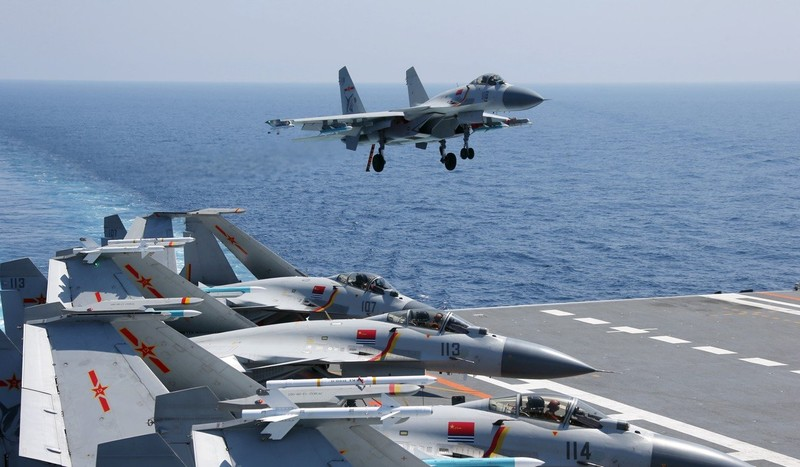 Thiếu hụt phi công, Trung Quốc chưa thể phát triển hải quân - ảnh 2