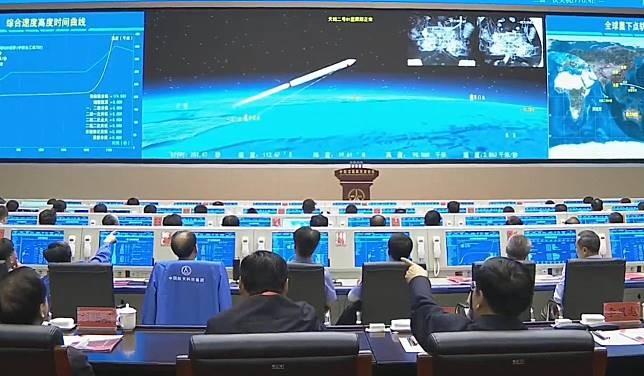 Trung Quốc phóng thành công tên lửa vệ tinh liên lạc tiên tiến - ảnh 2