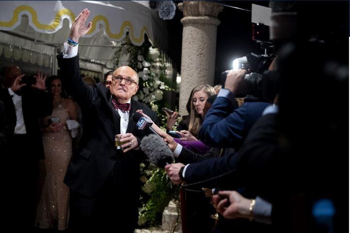 Ông Giuliani sẵn sàng làm chứng, bảo vệ Tổng thống Trump - ảnh 1
