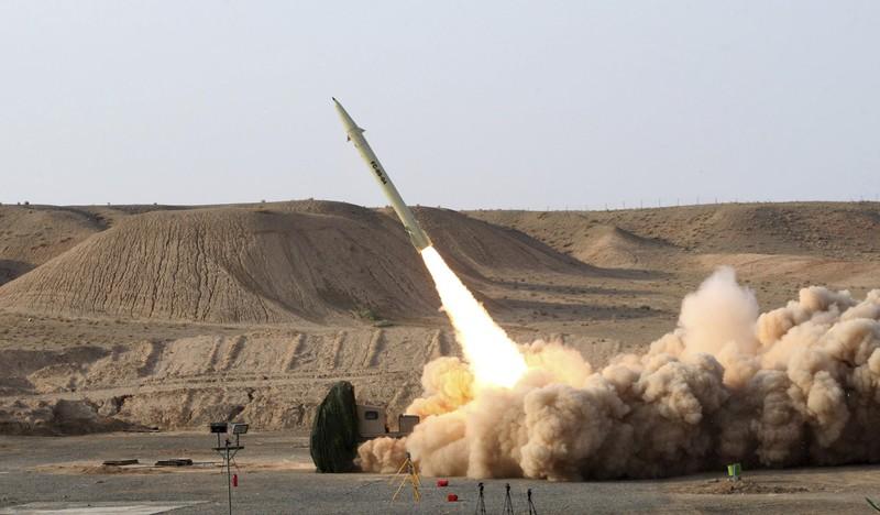 Hé lộ 2 mẫu tên lửa Iran dùng nã vào căn cứ Mỹ ở Iraq  - ảnh 1
