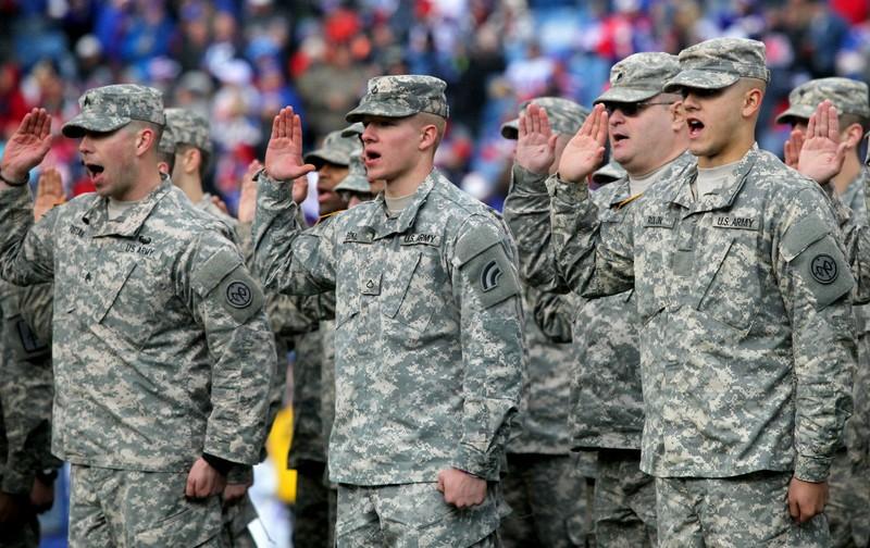 Người Mỹ bất ngờ nhận tin nhắn tuyển quân cho Thế chiến III - ảnh 1