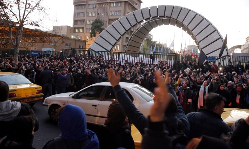 Iran lên tiếng vụ bắt giữ và triệu tập đại sứ Anh  - ảnh 2