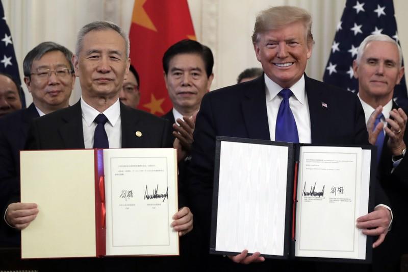 Kinh tế Trung Quốc suy thoái nặng vì thương chiến với Mỹ   - ảnh 2