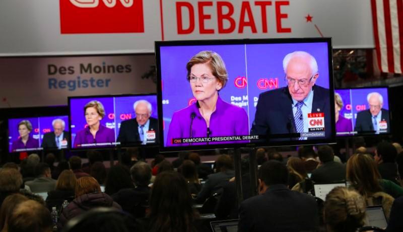 Ông Sanders: Bà Warren vướng giới tính thì tôi vướng tuổi già - ảnh 1