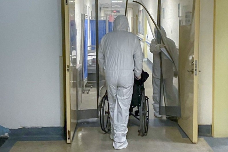 Virus Vũ Hán: Xuất hiện ca tử vong thứ tư, WHO họp khẩn  - ảnh 2