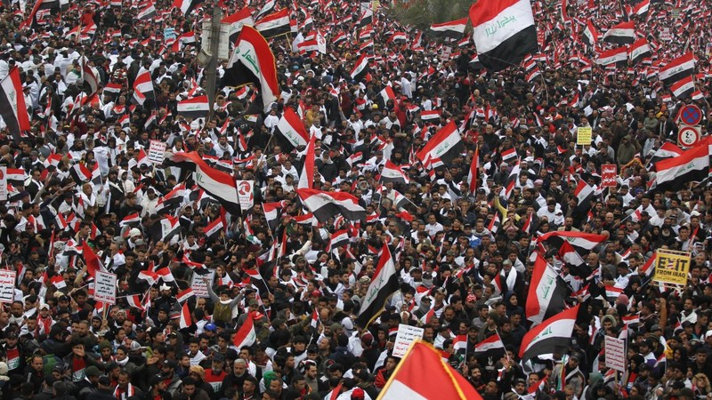 Hàng trăm ngàn người Iraq biểu tình đòi Mỹ rút quân - ảnh 1