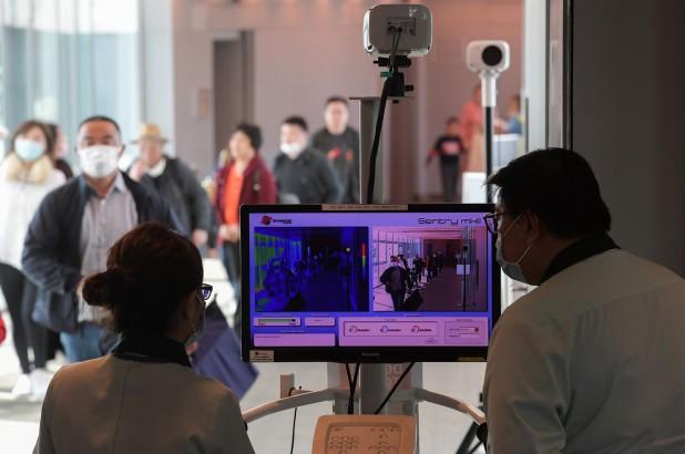 Mỹ tăng cường kiểm soát virus corona tại các sân bay - ảnh 1