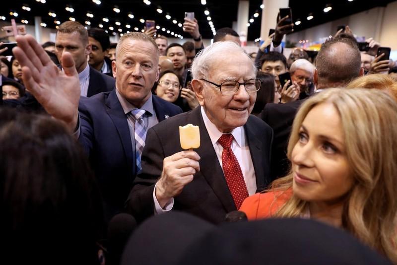 Tỷ phú Warren Buffett sẽ bán 'đế chế' báo chí của mình - ảnh 1
