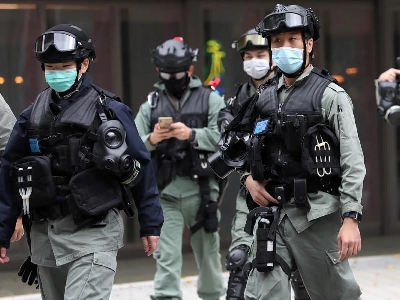 Cảnh sát Hong Kong truy tìm 2 người trốn khỏi khu cách ly - ảnh 1