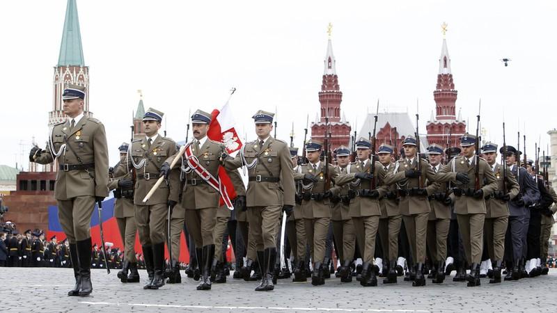 Cựu tổng thống Ba Lan kêu gọi sát lại Nga thay vì Mỹ - ảnh 2