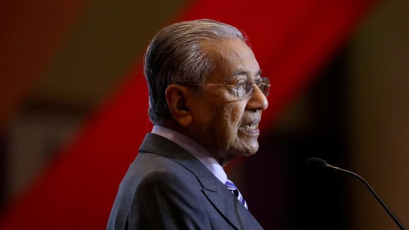 Thủ tướng Malaysia bất ngờ từ chức, lập liên minh mới - ảnh 1