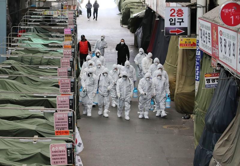 Nhiều nước cấm nhập cảnh, cảnh báo đi lại với Hàn Quốc, Nhật  - ảnh 1