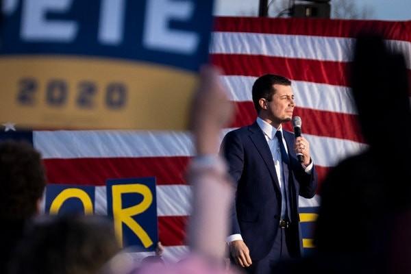 Bầu cử Mỹ: Người về đầu ở Iowa dừng cuộc đua vào Nhà Trắng - ảnh 1
