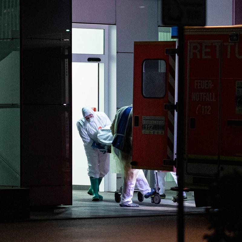 COVID-19: Bộ Y tế Đức cảnh báo nguy cơ đại dịch toàn cầu - ảnh 1
