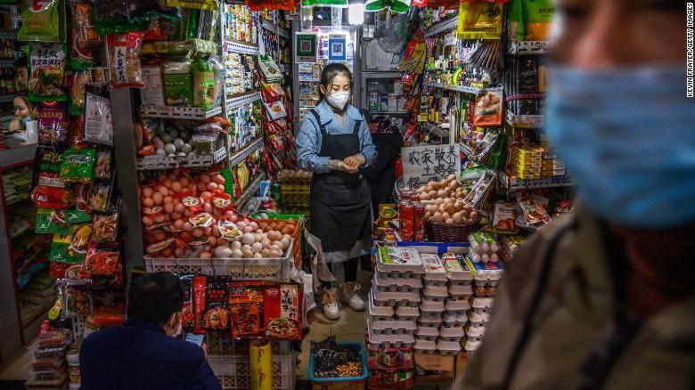 Lao động nhập cư Trung Quốc: Lương mất, tiền nhà vẫn phải trả - ảnh 2
