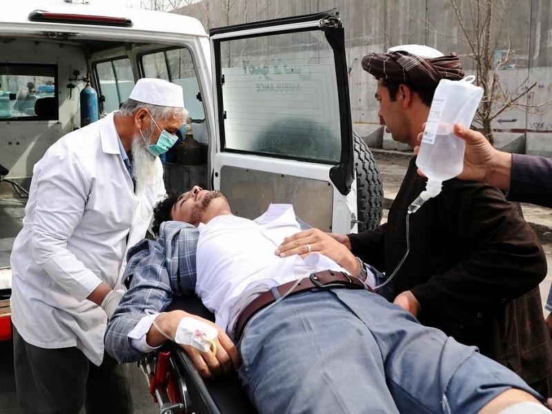 IS nã súng một lễ tưởng niệm ở Kabul, 113 người thương vong - ảnh 1