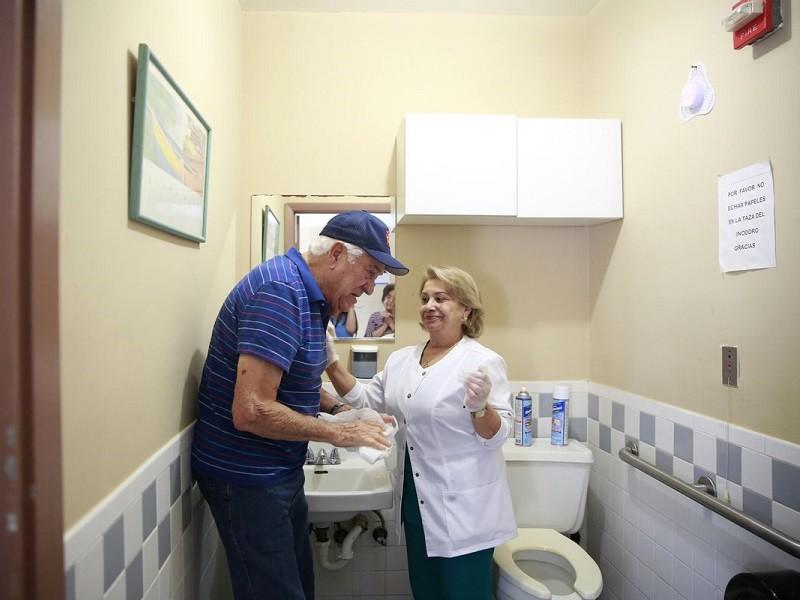 Nhà dưỡng lão Mỹ chuẩn bị như thế nào cho dịch COVID-19? - ảnh 1