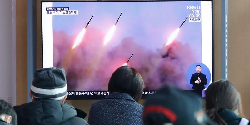 Triều Tiên phóng nhiều tên lửa, Nhật Bản phản ứng quyết liệt  - ảnh 1