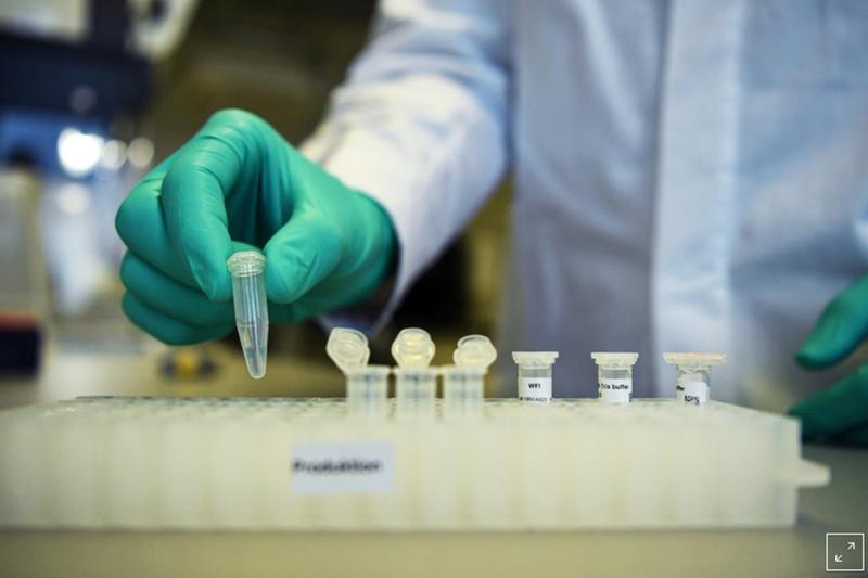 Mỹ bị tố cố tình 'nẫng' bản quyền vaccine COVID-19 của Đức - ảnh 1