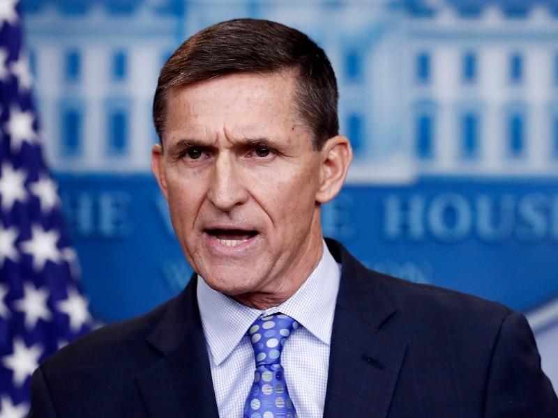 Ông Trump cân nhắc ân xá cho cựu cố vấn Michael Flynn - ảnh 1