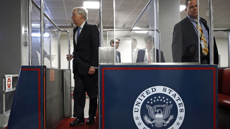 Hai nghị sĩ Mỹ nhiễm COVID-19 - ảnh 2