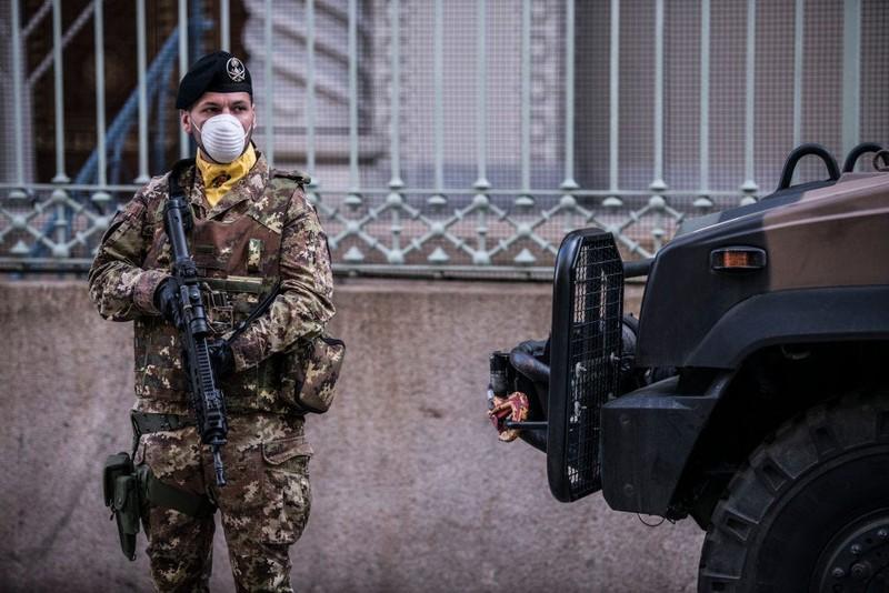 COVID-19 Ý: Gần 3000 người chết, 8% ca nhiễm là nhân viên y tế - ảnh 1