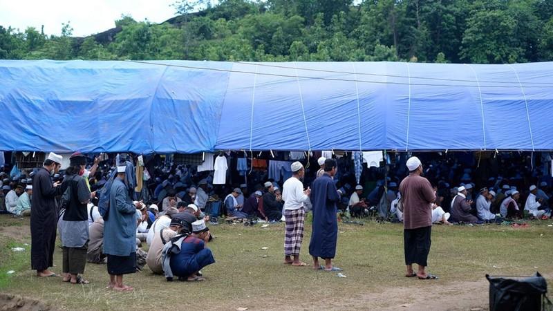 COVID-19 Indonesia: Sự kiện tôn giáo ngàn người dự vẫn diễn ra - ảnh 1