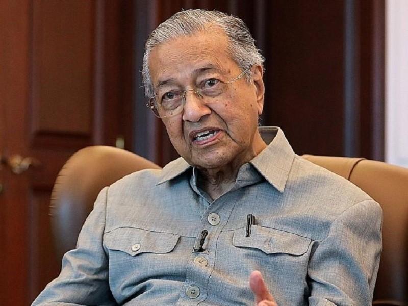 Gặp ca bệnh COVID-19, cựu Thủ tướng Malaysia Mahathir cách ly  - ảnh 1