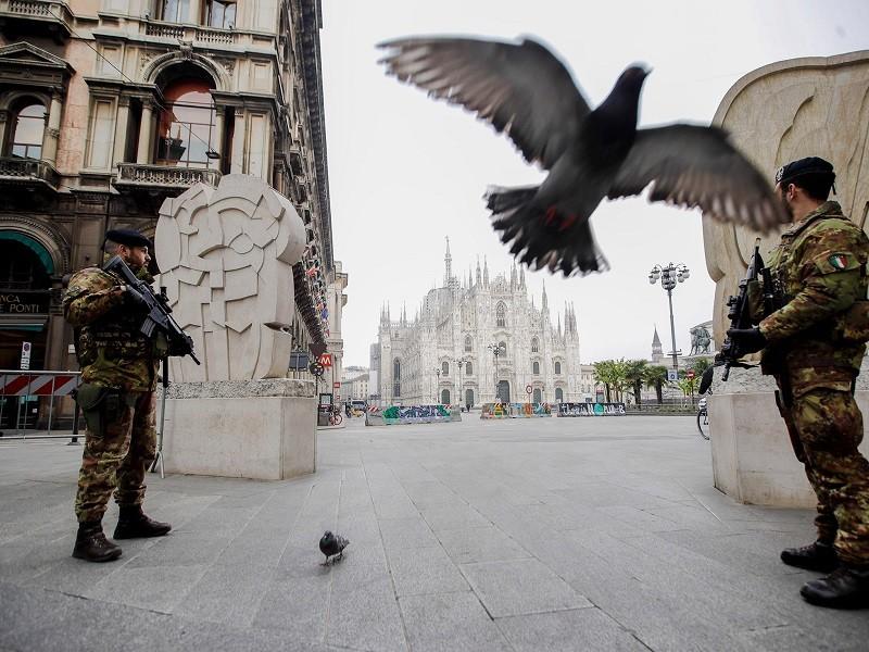 COVID-19 Ý: Hơn 4.000 người chết, dân ủng hộ lệnh phong tỏa - ảnh 1
