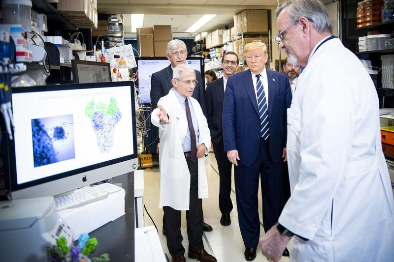 Phản ứng toàn cầu của Mỹ trước COVID-19 khác gì SARS, MERS?  - ảnh 1