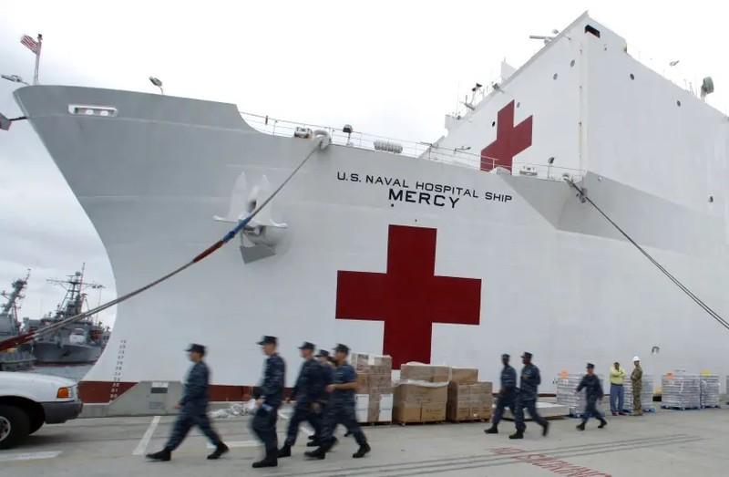 COVID-19 Mỹ: Chết, nhiễm tăng, kêu gọi quân đội hỗ trợ - ảnh 2