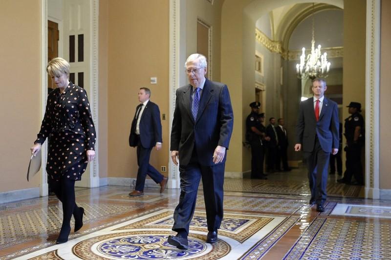 COVID-19: Thượng viện Mỹ đồng ý gói cứu trợ lớn nhất lịch sử - ảnh 2