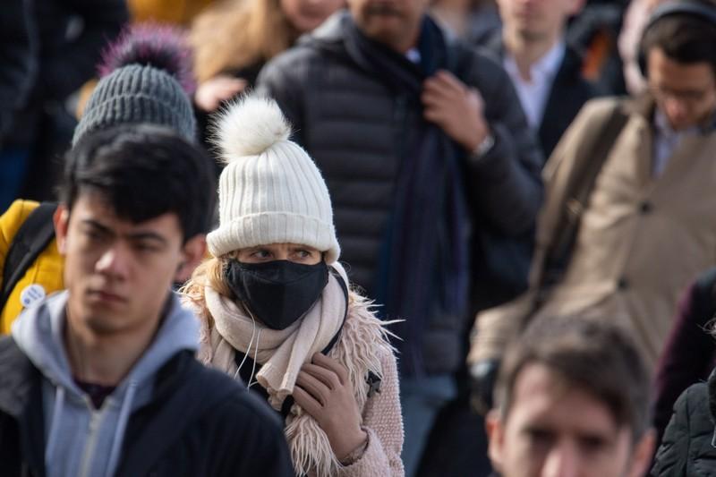 Báo Anh: 33 triệu dân Anh có thể đã nhiễm COVID-19 - ảnh 1