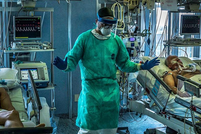 COVID-19 Ý: Dịch diễn biến xấu, nhiễm mới tăng nhanh trở lại  - ảnh 1