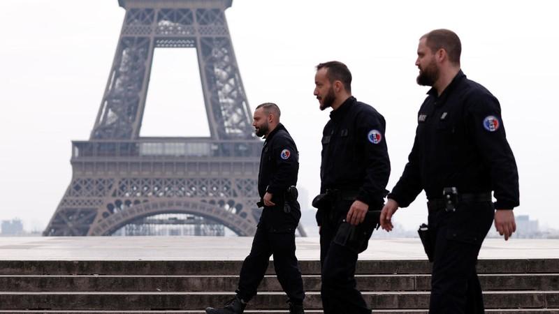 COVID-19 Pháp: 1.100 người chết, kích hoạt bệnh viện dã chiến - ảnh 1