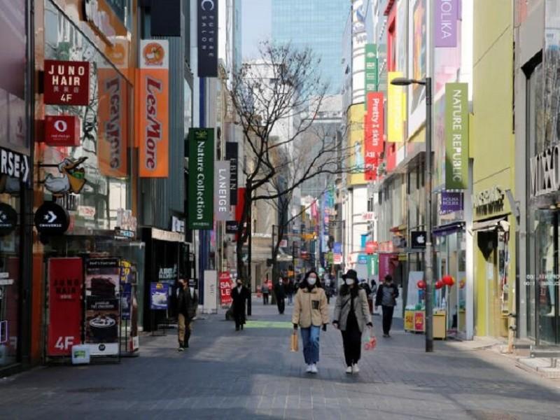 COVID-19 Hàn Quốc: Vi phạm cách ly có thể ngồi tù 1 năm - ảnh 1