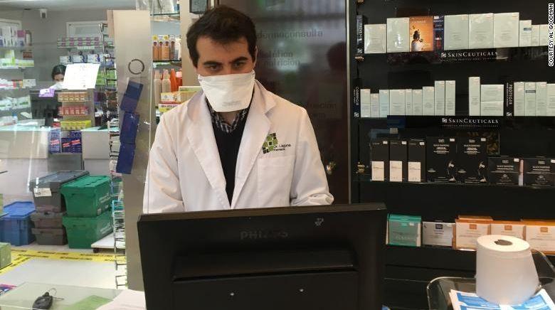 COVID-19 Tây Ban Nha: Đấu tranh với gian thương và thuốc giả - ảnh 1