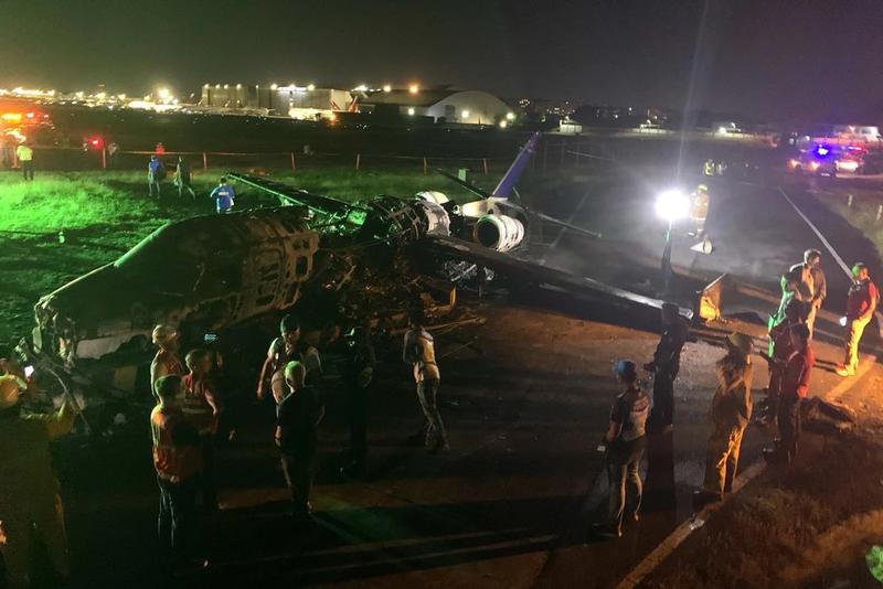 Philippines: Máy bay y tế bốc cháy, 8 người thiệt mạng - ảnh 1