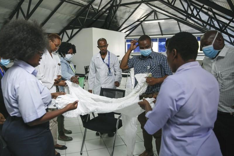Nguy cơ châu Phi bị 'quá tải' khi đại dịch COVID-19 lan rộng - ảnh 2
