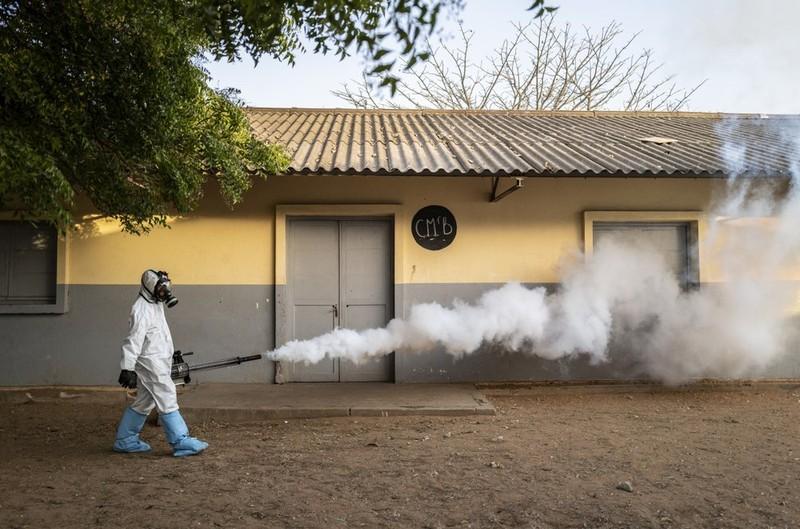 Nguy cơ châu Phi bị 'quá tải' khi đại dịch COVID-19 lan rộng - ảnh 3