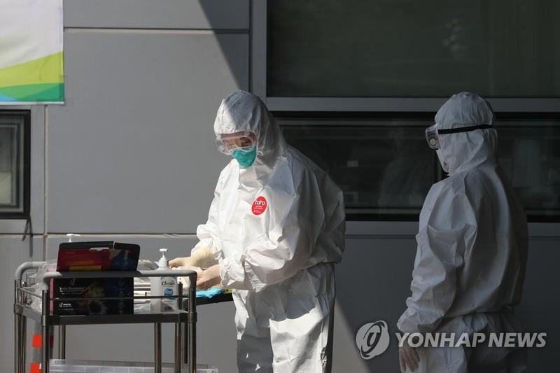 COVID-19 Hàn Quốc: Nhiễm mới giảm nhưng lo ngại thủ đô Seoul - ảnh 2