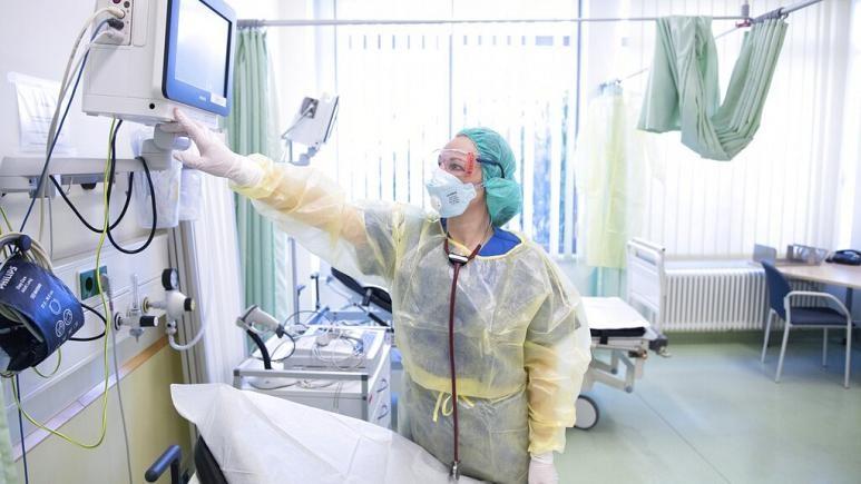 WHO: Thế giới cần gấp 6 triệu y tá để chống COVID-19 - ảnh 2