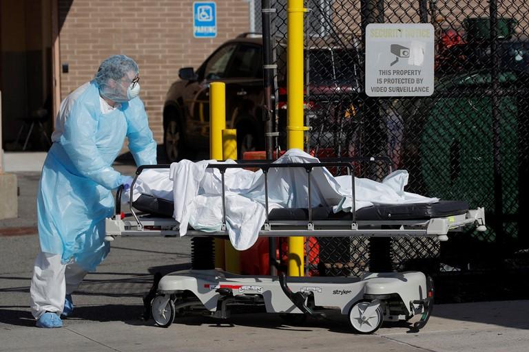 COVID-19 Mỹ: Ngày chết chóc nhất New York với 731 người chết - ảnh 1