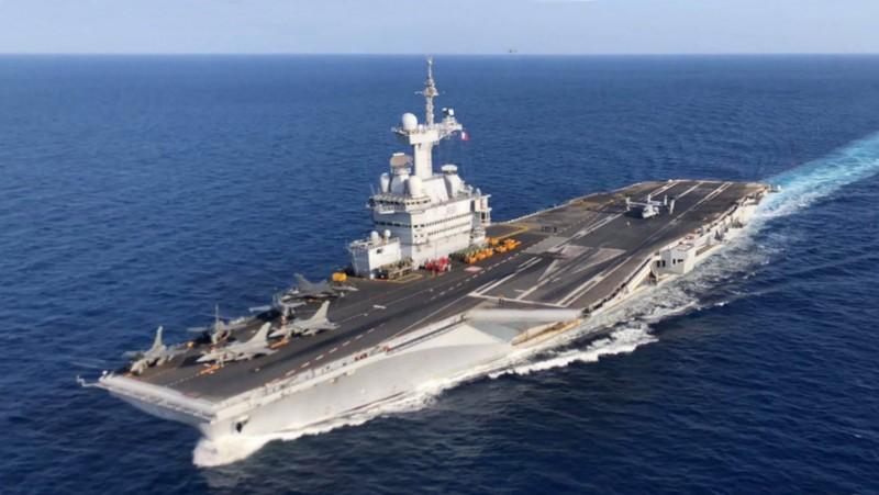 COVID-19: Tàu sân bay Pháp nghi nhiễm, phải quay về cảng - ảnh 1
