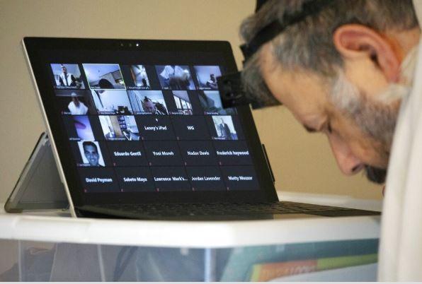 Nhiều nơi yêu cầu ngưng dùng ứng dụng dạy học trực tuyến Zoom - ảnh 2