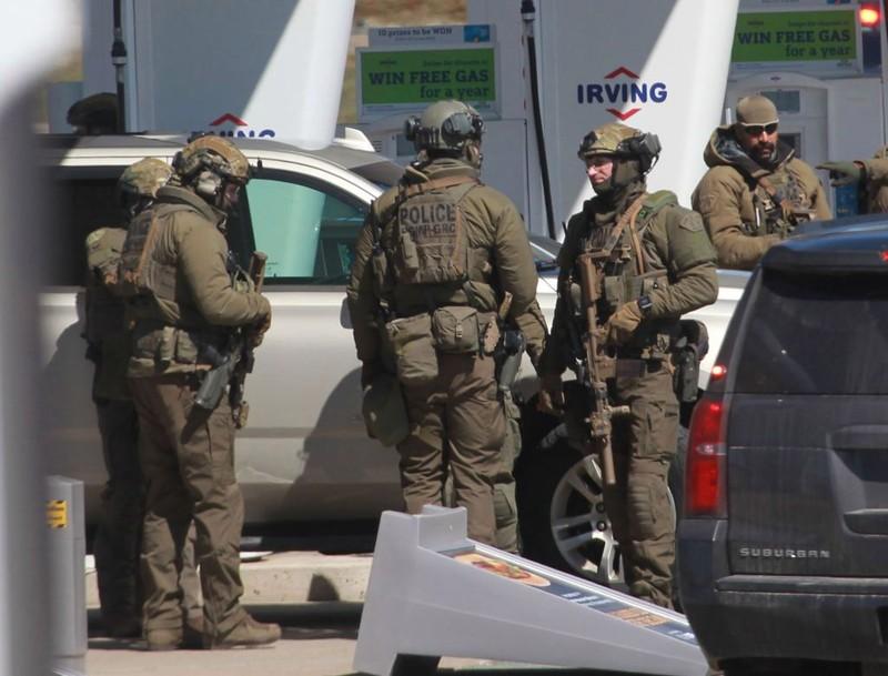 Giả làm cảnh sát bắn chết 17 người ở Canada - ảnh 2