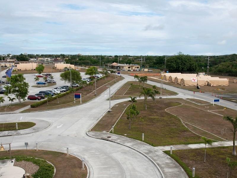 Mỹ xây bệnh viện ở Guam trị COVID-19 cho thủy thủ tàu sân bay - ảnh 1