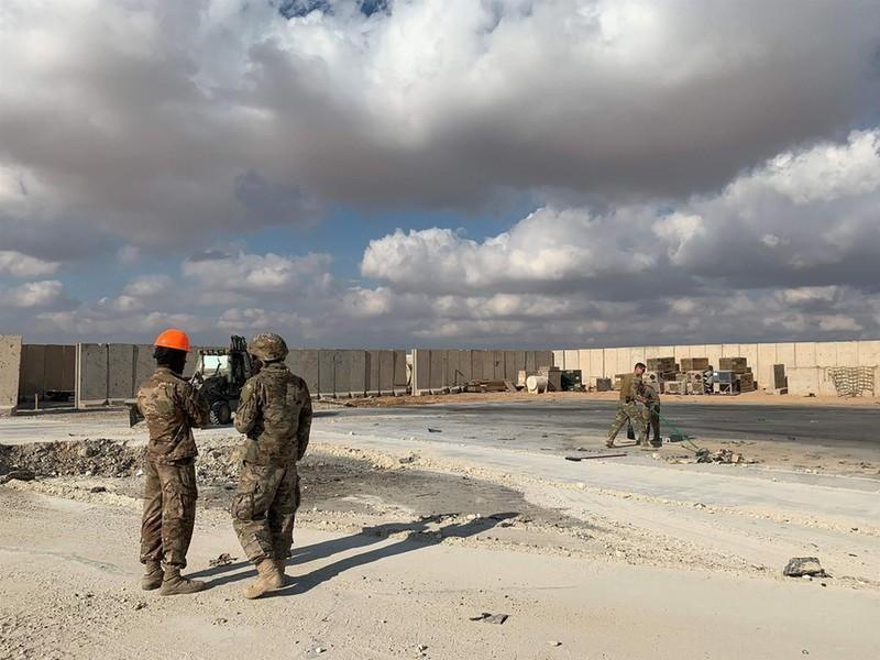 Vụ Iran nã tên lửa căn cứ Mỹ: Lính bị thương nhận huy chương - ảnh 2