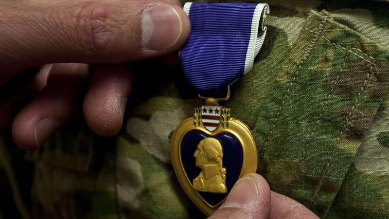 Vụ Iran nã tên lửa căn cứ Mỹ: Lính bị thương nhận huy chương - ảnh 1