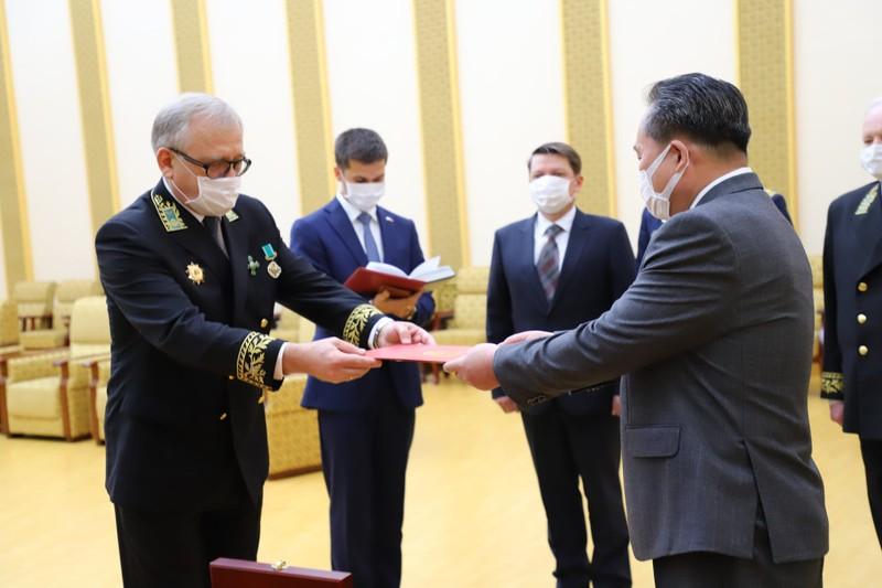 Ông Kim nhận huân chương của Nga nhân ngày chiến thắng 9-5 - ảnh 2